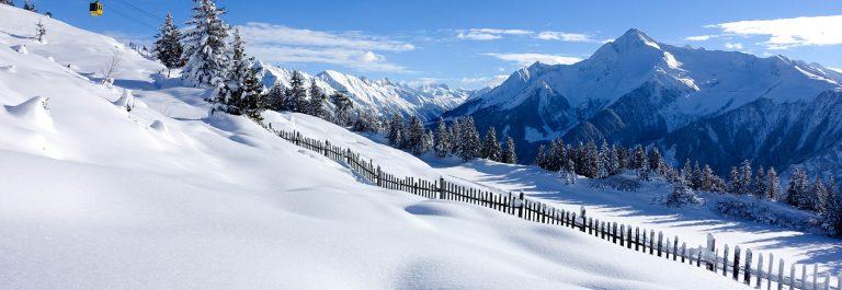 winter landscape with gondola Steiermark Österreich Austria shutterstock_241947076-2 (1)