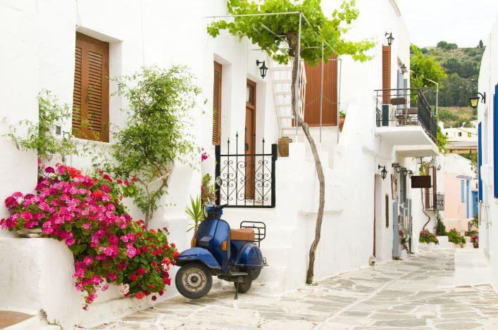 cyclades-island-shutterstock_32957695