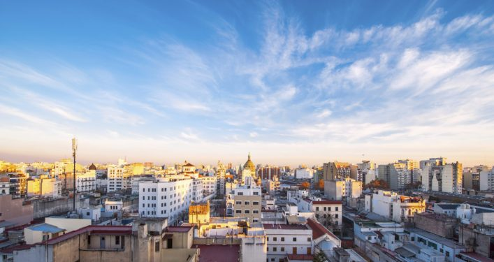 urlaubsguru.de_early-morning-in-buenos-aires-argentina-istock_000037508132_large