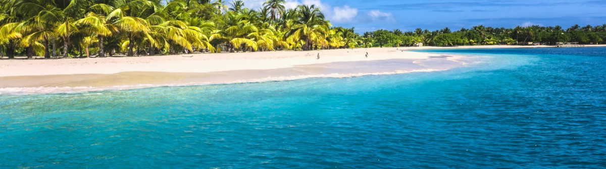 urlaubsguru.de_lonely-tropical-island-in-the-caribbean-bahamas-istock_000020037538_large v3