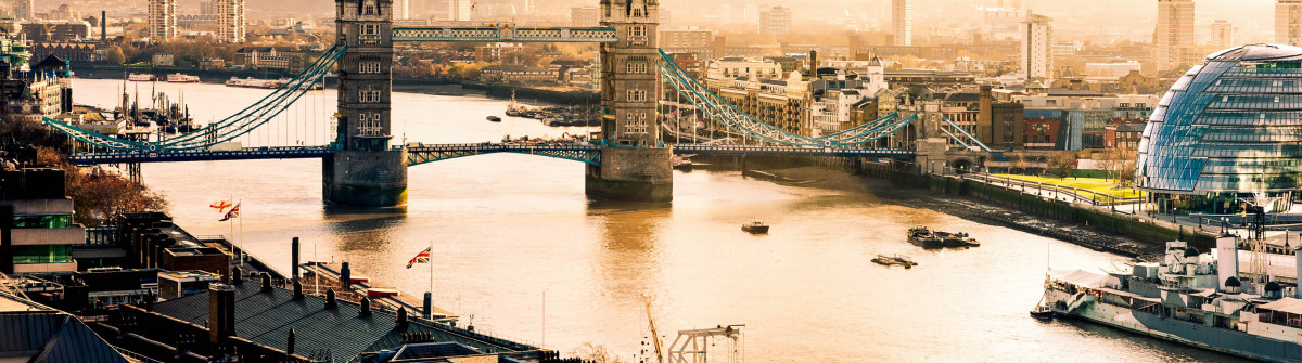 aerial-view-of-tower-bridgeand-city-hall-in-london-istock_000019380154_large-2