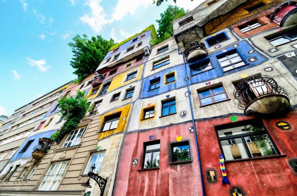 hundertwasser-house-vienna-istock_000067627495_large-2-585x387
