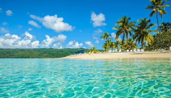 dominican-republic-samana-beach-beach-exoticism-istock_000011487535_large-2-585×380