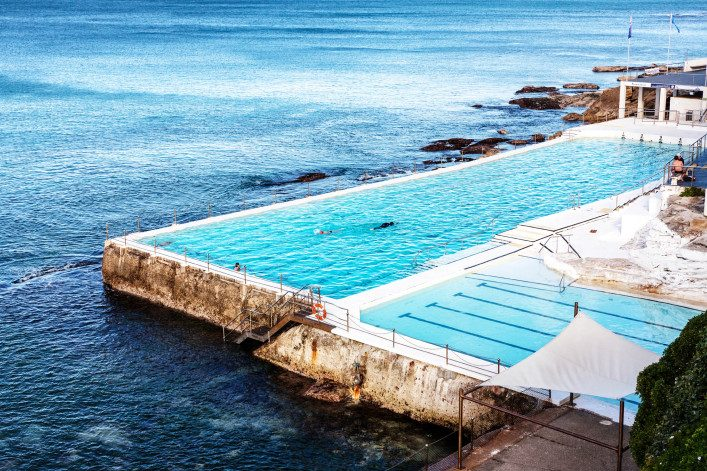 eisberg-pool-am-bondi-beach-istock_000020602536_large-editorial-only-4×6-2-707×471