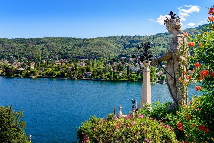 lago-maggiore_isola-bella_shutterstock_208097065