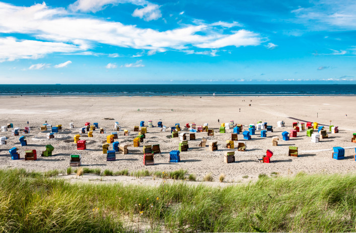 beach-chairs-at-the-island-of-juist-in-germany-istock_77047657_xlarge-2