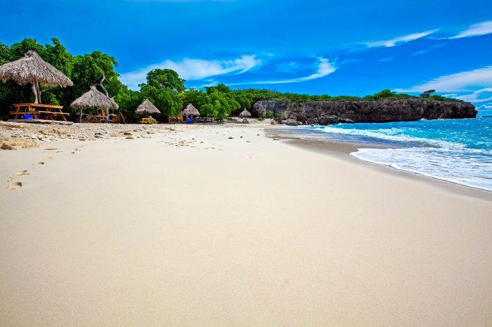 curacao-beach-istock_000015068741_large-2