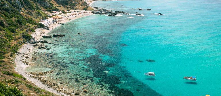 the-wonderful-coastline-at-capo-vaticano-near-tropea-calabria-italy-shutterstock_424735507-2