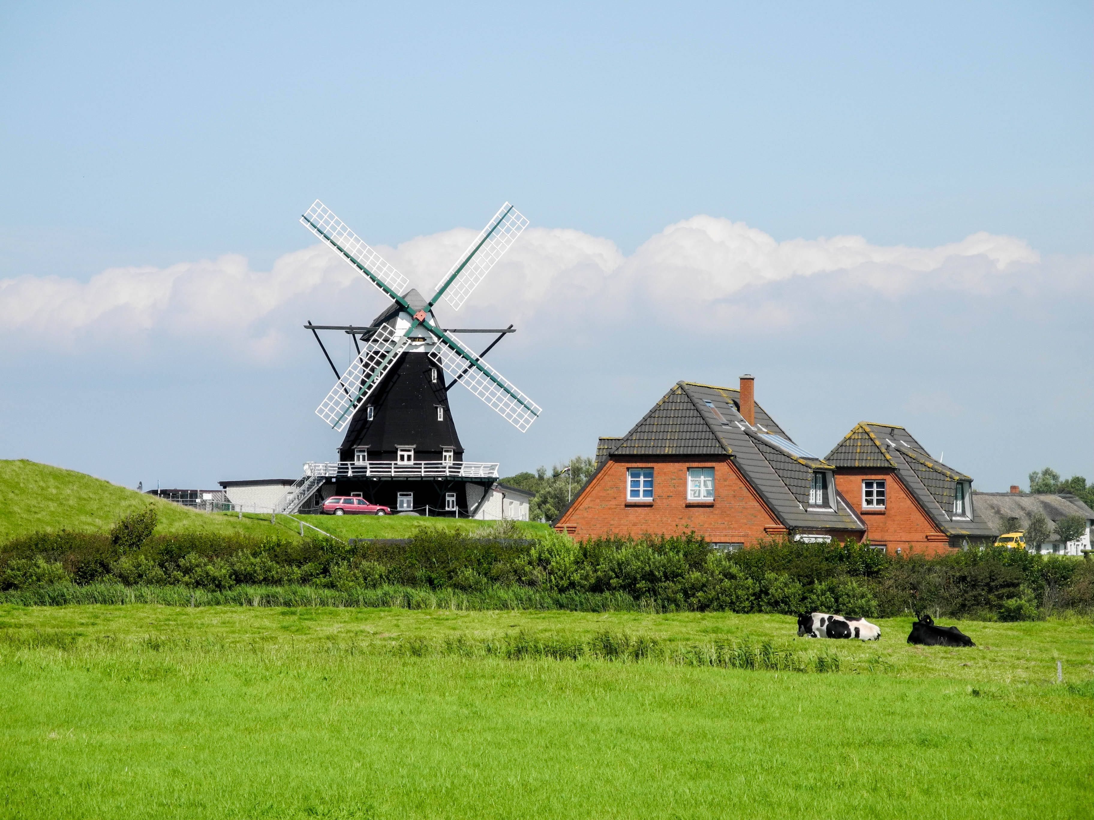 windmill-at-pellworm-germany-istock_24276092_large-2