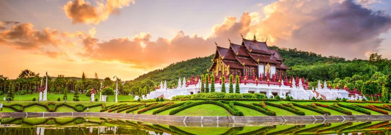 Königliche-Flora-Park-von-Chiang-Mai-iStock-496706350-2