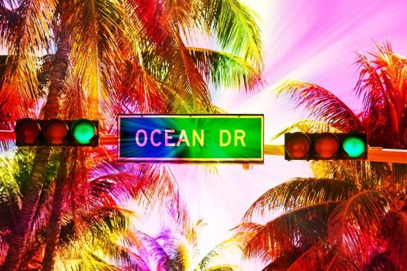 Miami_Beach_ocean_Drive_shutterstock_218076430-585×390