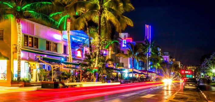 art-deco-hotels-miami-istock_000057072216_large-2-707×471