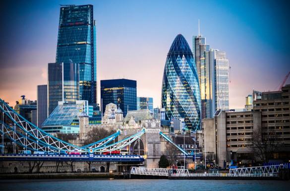 atemberaubende-skyline-von-london-und-die-tower-bridge-istock_80476179_xlarge-2-585x385