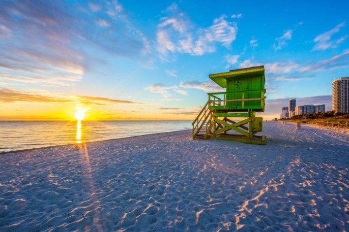 miami-beach-sunset-istock_000035919930_large-2-707×471