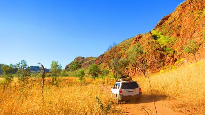 outback-australia-roadtrip-shutterstock_591599972 (1)