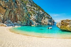 Reiseziele Juli_Badeurlaub_Italien_Sardinien