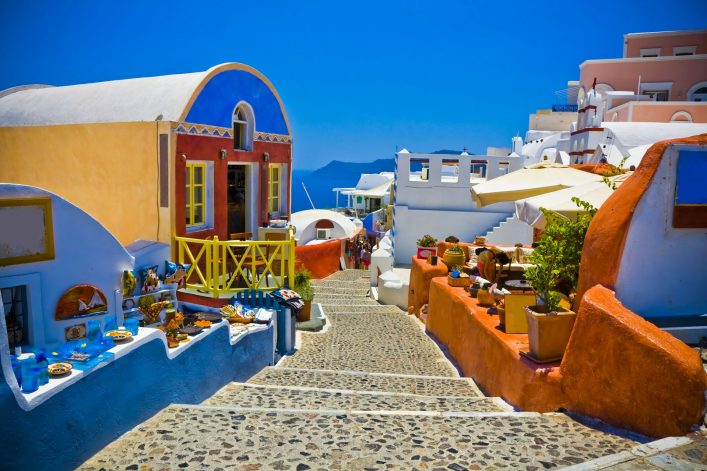 street-of-oia-santorin-greece-shutterstock_120528478