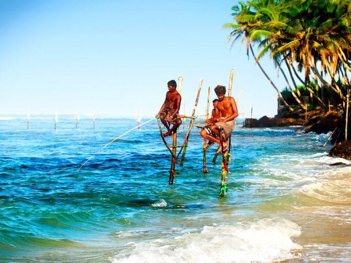 fishermen-on-the-sticks-sri-lanka-istock_000038032414_large-2