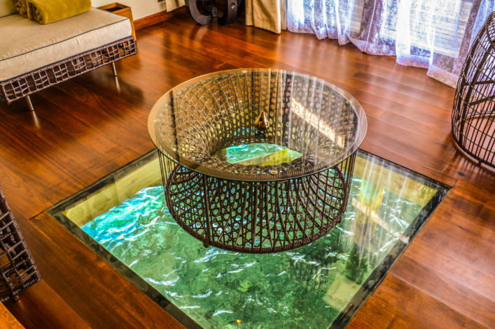 interier-of-maldives-luxury-ocean-villa-istock_92974731_xlarge-2