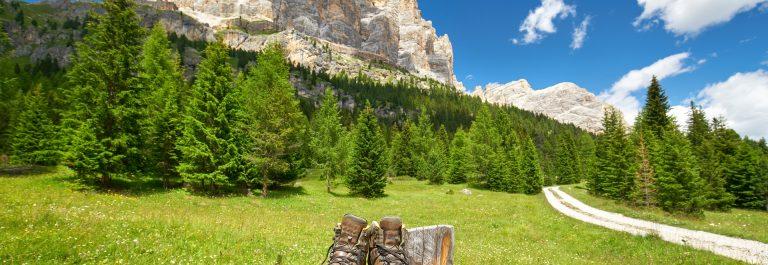 suedtirol_wandern_hiking_shutterstock_467630825