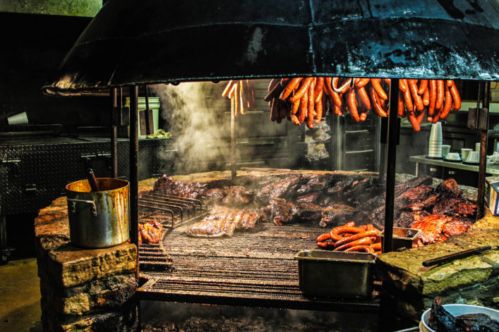 texas-style-barbecue-pit-istock_000050529976_large-2