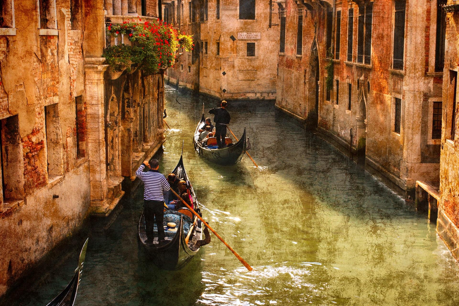 Erlebt den perfekten Romantikurlaub in Venedig!