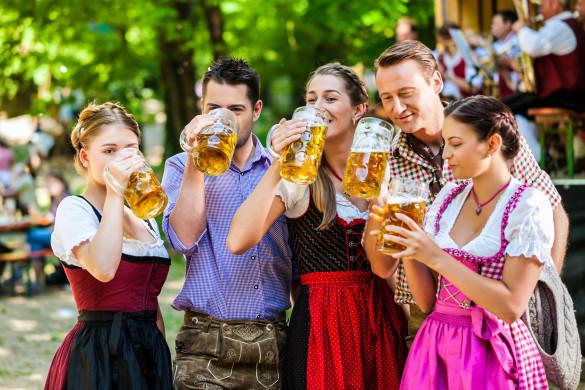 Oktoberfest München Wiesn Drindl Trachtenmode