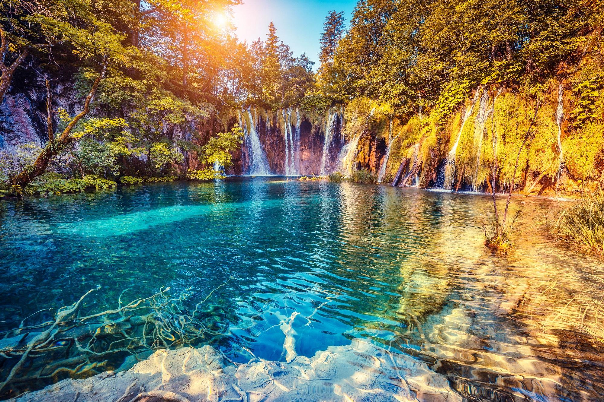Ansicht eines Wasserfalls im Nationalpark Plitvicer Seen