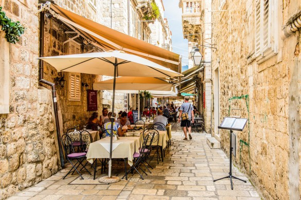 Small restaurant of the Old town of Dubrovnik, Croatia shutterstock_214496374-2