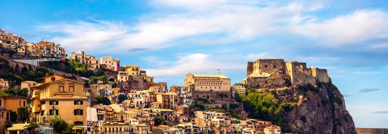 castle-scilla-kalabrien-italien-istock_000041484170_large-2-2
