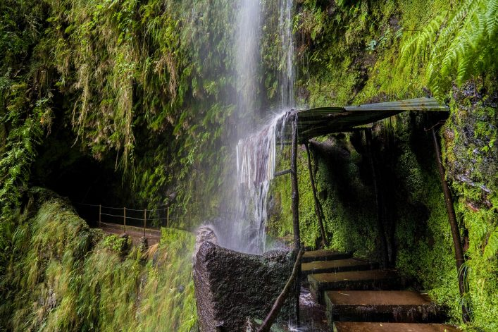 levada-trail-auf-madeira-istock_7958908_xlarge-2