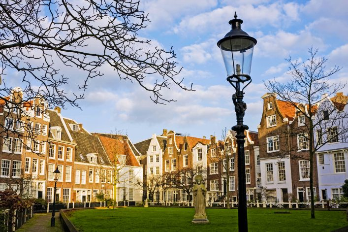 amsterdam-istock_000008031262_large-2