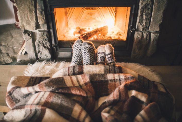 Fireplace-Kamin-Winter-shutterstock_348562265