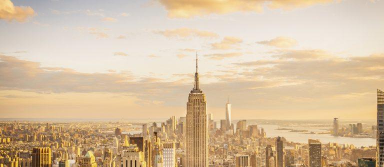 von-new-york-city-skyline-midtown-und-empire-state-building-istock_000068418081_large
