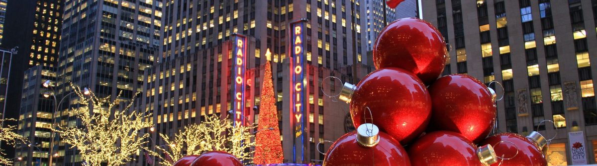 New-York-City-landmark-Radio-City-Music-Hall-in-Rockefeller-Center-EDITORIAL-ONLY-TerraceStudio-shutterstock_120725428