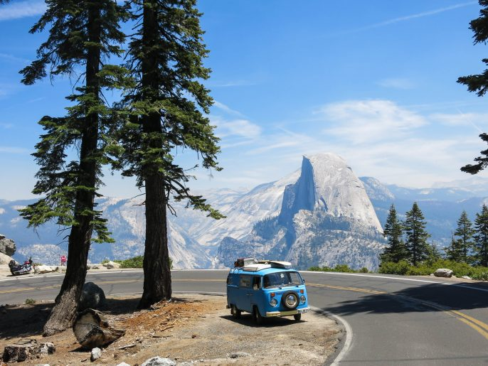Old vw bus in Yosemite Natl. Park