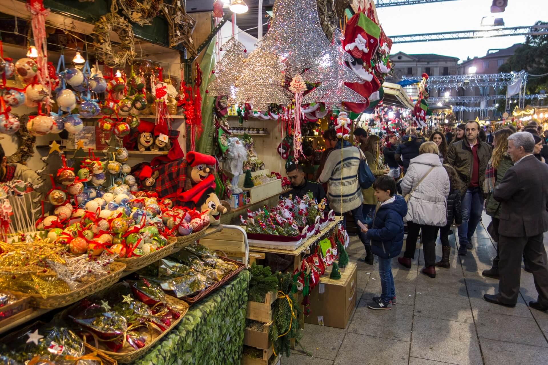 Wer Bringt Weihnachtsgeschenke In Spanien.So Wird Weihnachten Weltweit Gefeiert