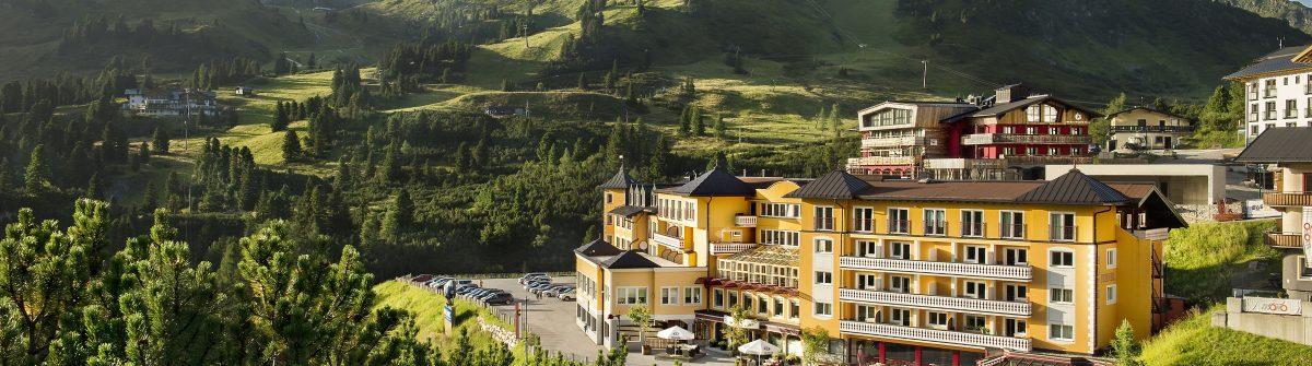 2-Hotel-Steiner-Aussenaufnahme-Sommer-Bild-Hotel-Steiner