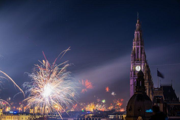 Fireworks-ring-in-2018-in-Vienna-Austria-shutterstock_784516705