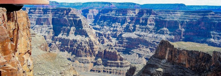 Grand-Canyon-Skywalk-iStock-536292001-2
