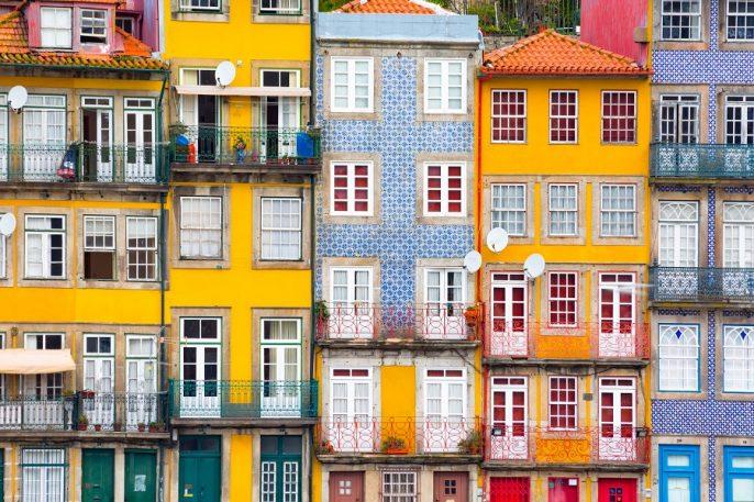 Bunte Häuser in Porto