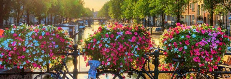 Prinsengracht-in-Amsterdam-shutterstock_608658449-1