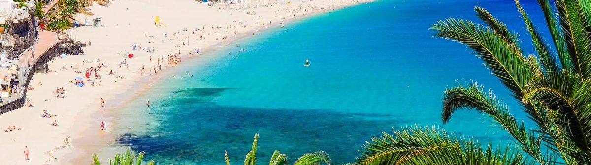 The-beach-Playa-de-Morro-Jable-Fuerteventura-Spain-iStock-624437738_1920x1280