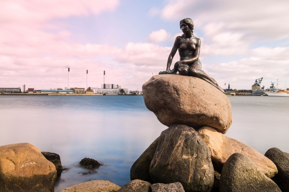 little-mermaid-copenhagen-denmark-shutterstock_277987112-editorial-only-peter-otoole-2