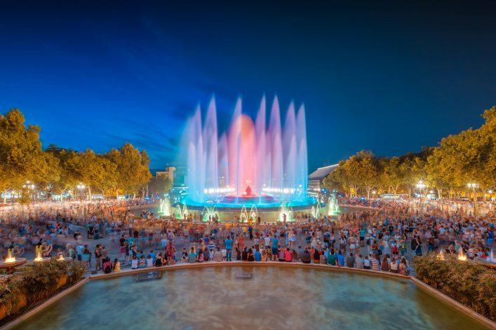 night-view-of-magic-fountain-light-show-in-barcelona-spain-shutterstock_213349747-2