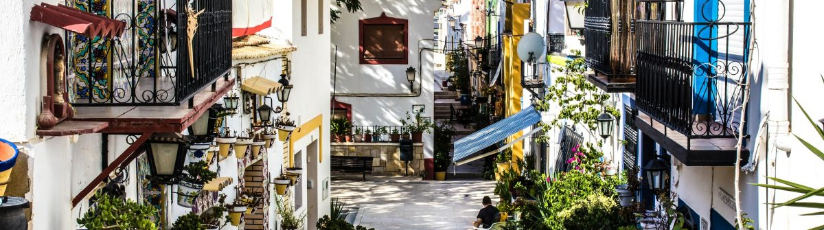 santa-cruz-in-the-city-alicante-at-the-costa-blanca-spain-shutterstock_395801800-editorial-only-ralph-rozema-2