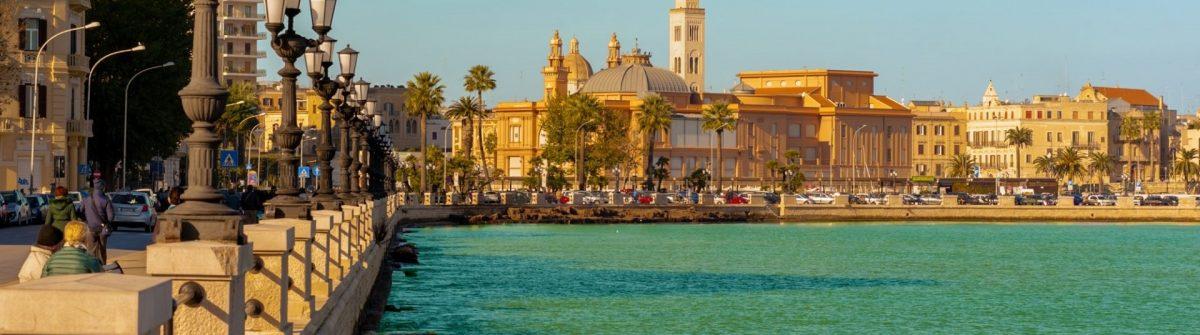 Hafen von Bari in Apulien
