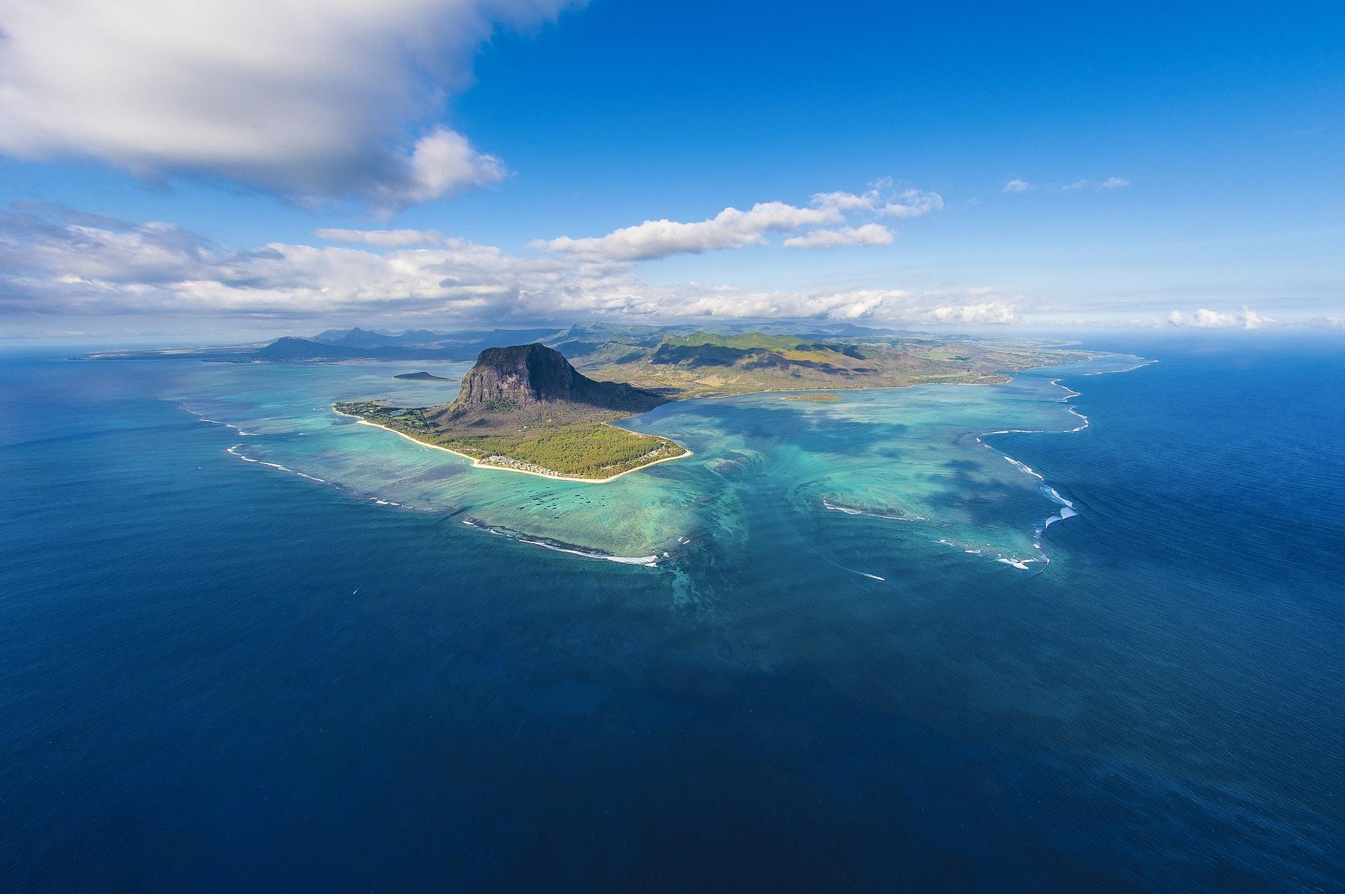 Naturphänomen an der südwestlichen Spitze von Mauritius, direkt vor dem berühmten Berg Le Morne Brabant.