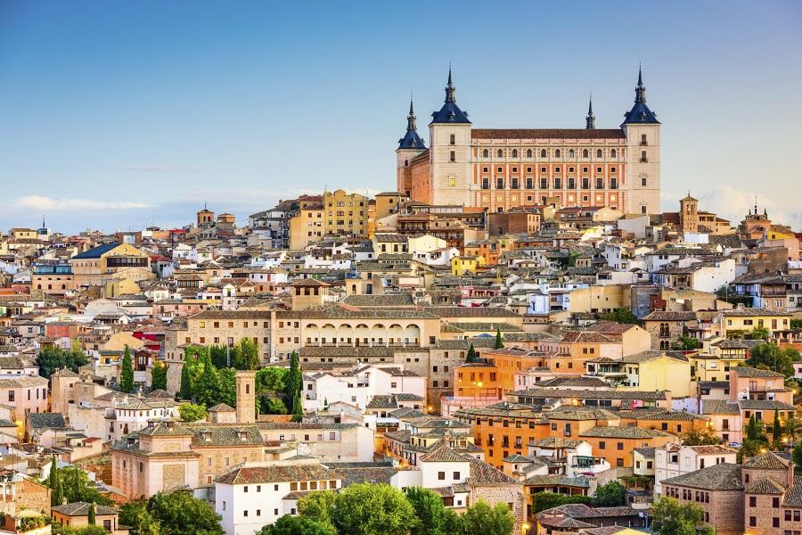 Panoramablick auf die Altstadt von Toledo - Alcazar