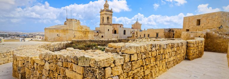 Walk around the Citadel of Gozo